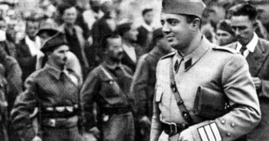 Muharrem Xhafa njofton se me 16 Tetor do ketë homazhe te varri i Enver Hoxhes