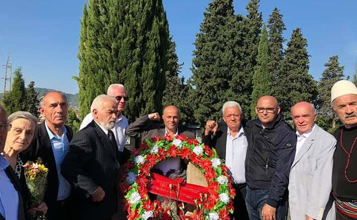 Fronti Popullor ishte në Tiranë në homazhe për 111 Vjetorin e Lindjes shekujve ENVER HOXHES